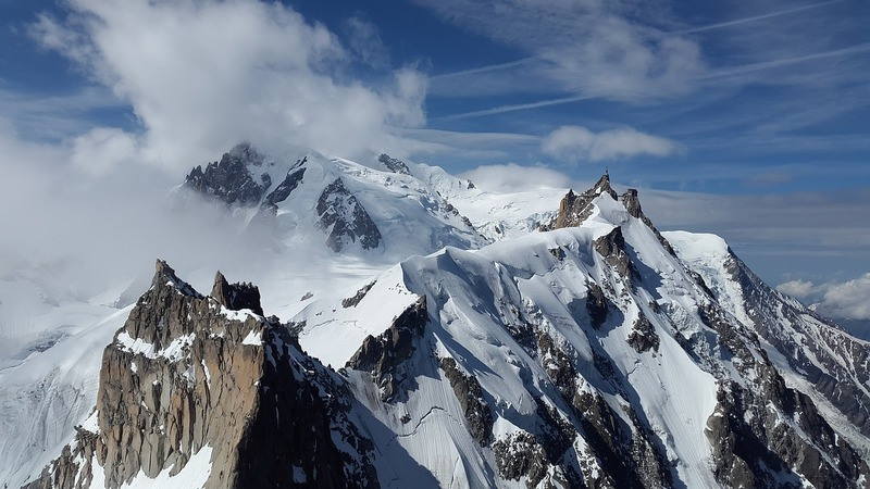 mountain-aigulle-du-midi
