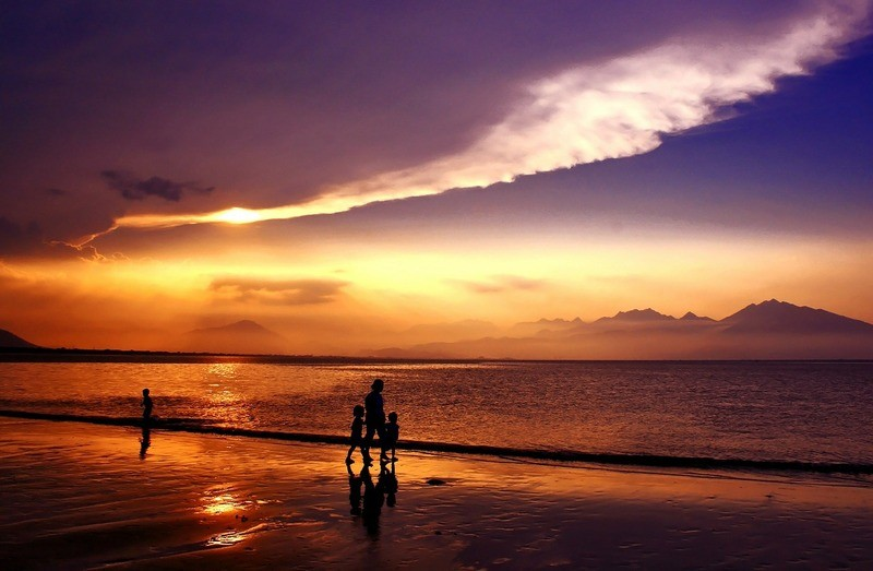 vietnam-beach-sunset