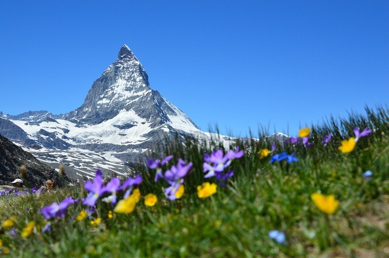 switzerland-snowtop-mountain-zermatt