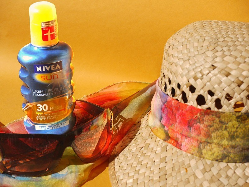 sunscreen-and-mosquito-repellent
