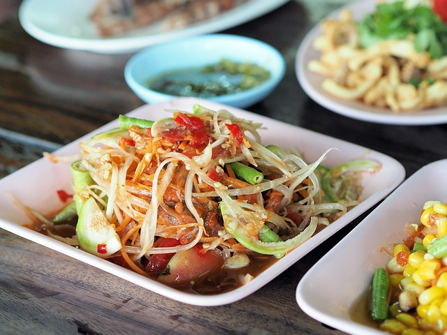 bowl-of-papaya-salad