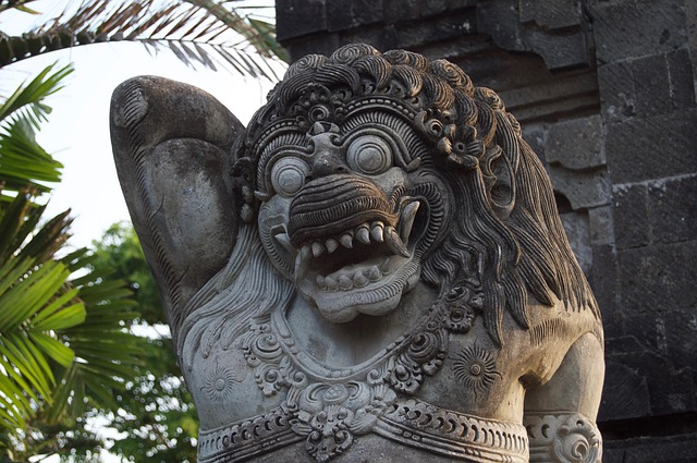 bali-stone-carving