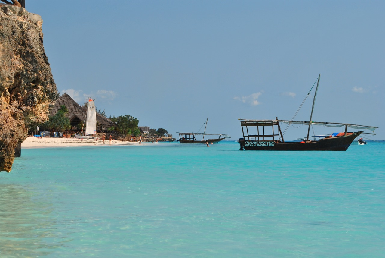 zanzibar-beach-and-boat