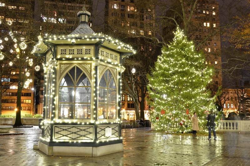 Rittenhouse Square in Philadelphia at Christmas time