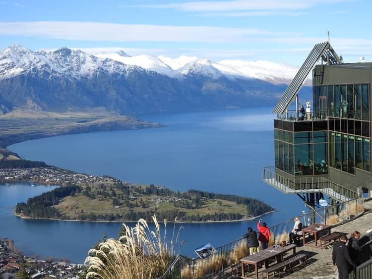 Queenstown's gondola and zipline tour from the top of the mountain
