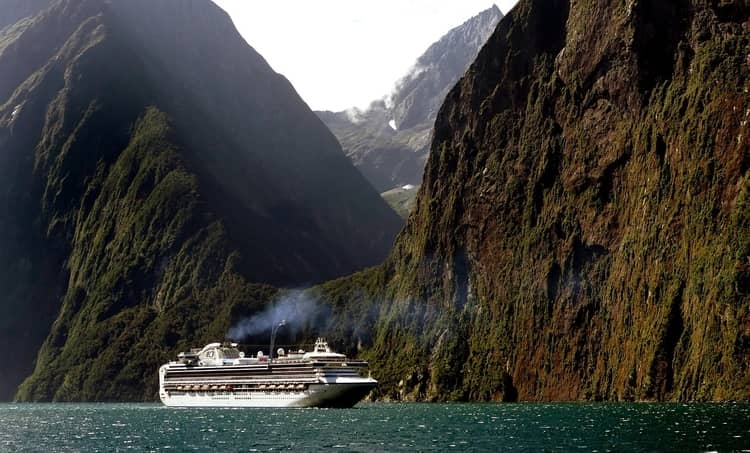 Cruise ship on the Milford Sound in Fiordland