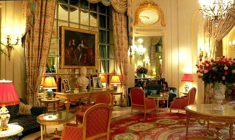 glamorous-interior-of-Ritz-Hotel-in-London