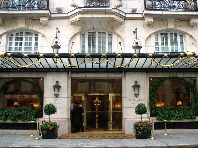 exterior-of-Le-Bristol-best-hotel-in-paris