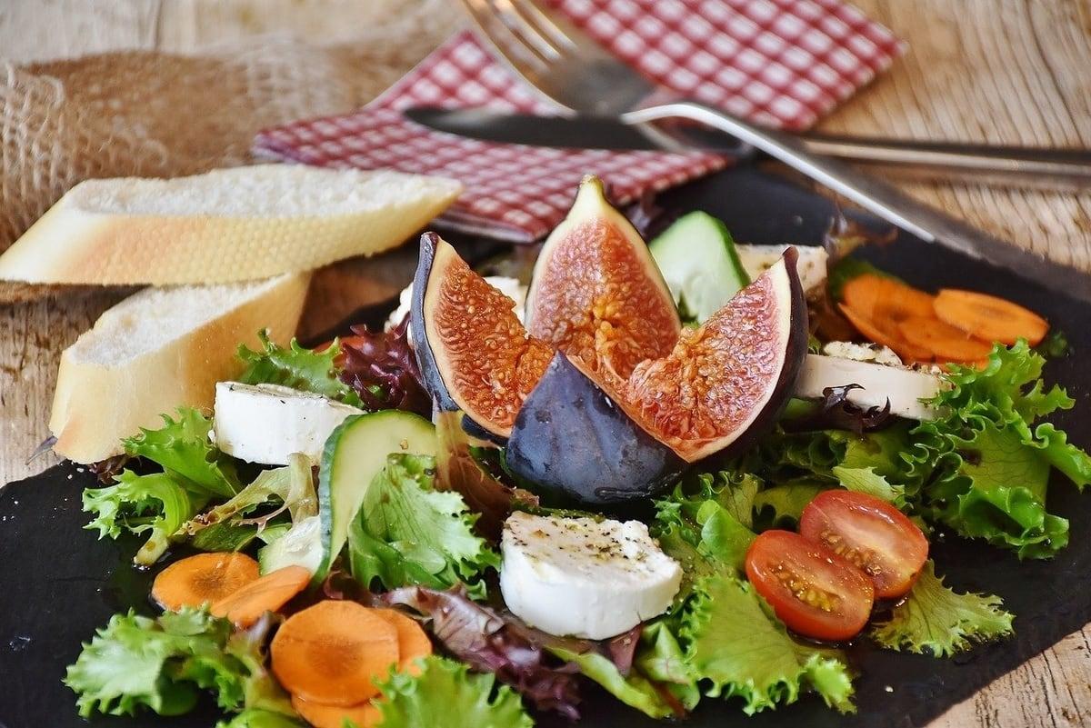 light salad meal